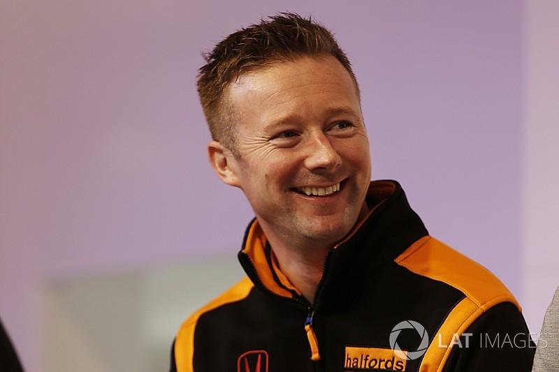 Gordon Shedden sulla Volkswagen della Leopard Racing a Dubai