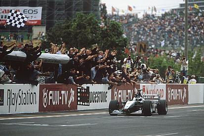 Nostalji: Hakkinen, McLaren'la ikinci şampiyonluğunu alıyor