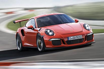 De man die de Porsche 911 redde is overleden