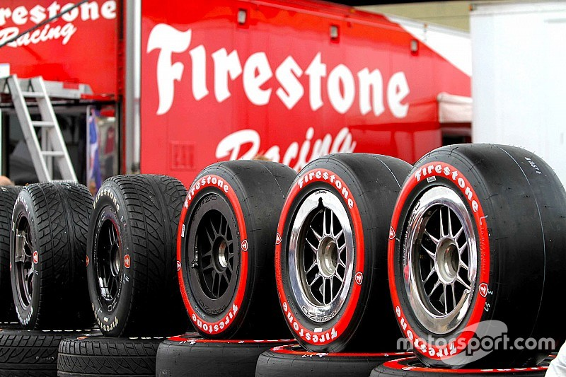 IndyCar сменит шинный регламент