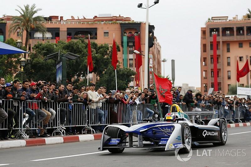 المغربي بن يحيى يختبر سيارة فورمولا إي في تجارب مراكش للناشئين