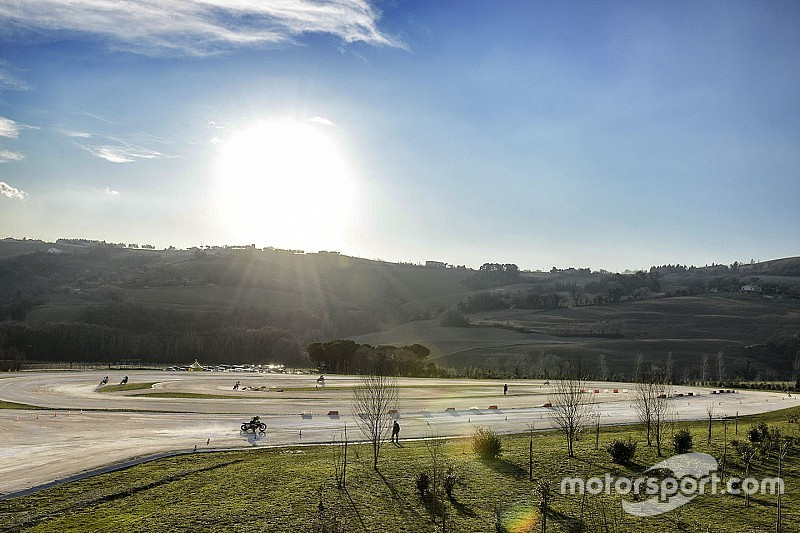 100 km des champions: Morbidelli bat Rossi à domicile