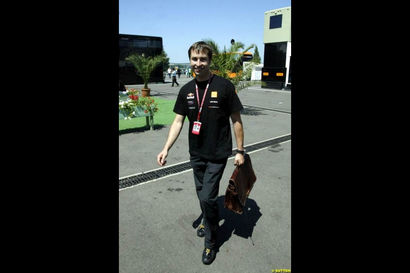 Heinz Harald Frentzen, Arrows, goes home. Saturday, French Grand Prix, Magny Cours, France, July 20th 2002.