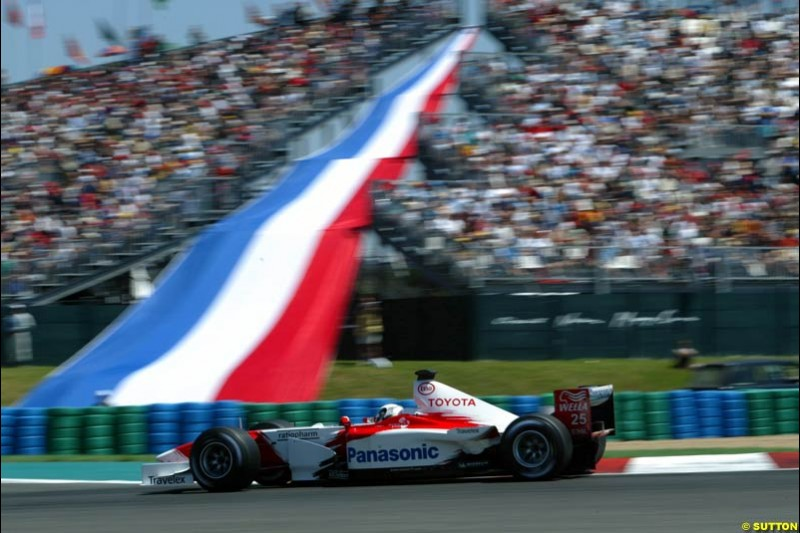 Mika Salo, Toyota, Qualifying, French Grand Prix, Magny Course, France, July 20th 2002.