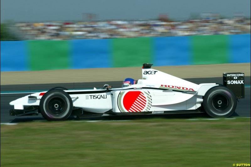 Jacques Villeneuve, BAR, Qualifying for the French Grand Prix, Magny Cours, France, July 20th 2002.