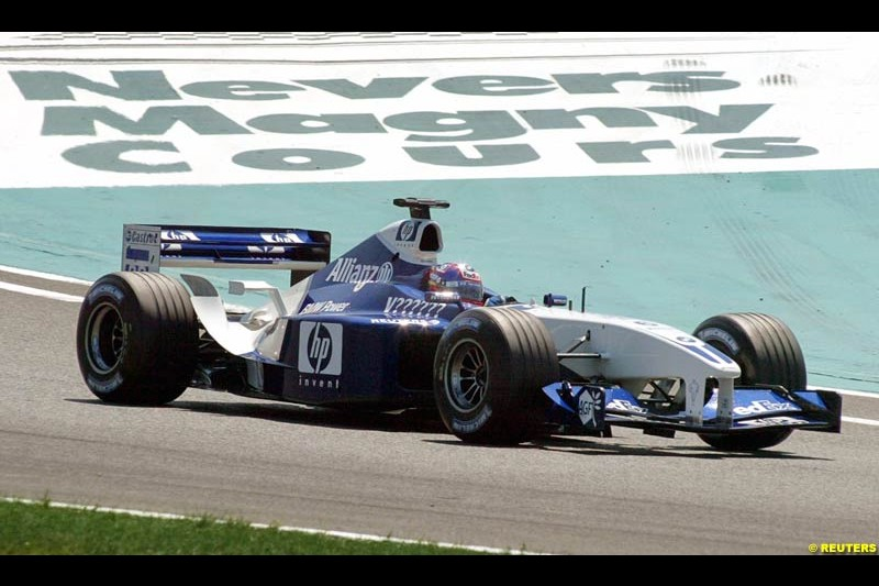 Juan Pablo Montoya, Williams. Qualifying for the French Grand Prix, Magny Cours, France, July 20th 2002.