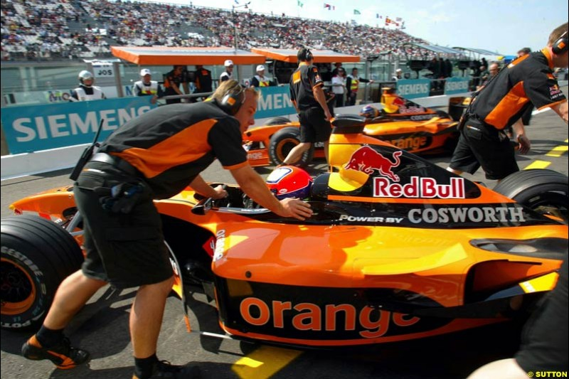 Arrows finally get one run. Saturday Free Practice, French Grand Prix, Magny Cours, France, July 20th 2002.