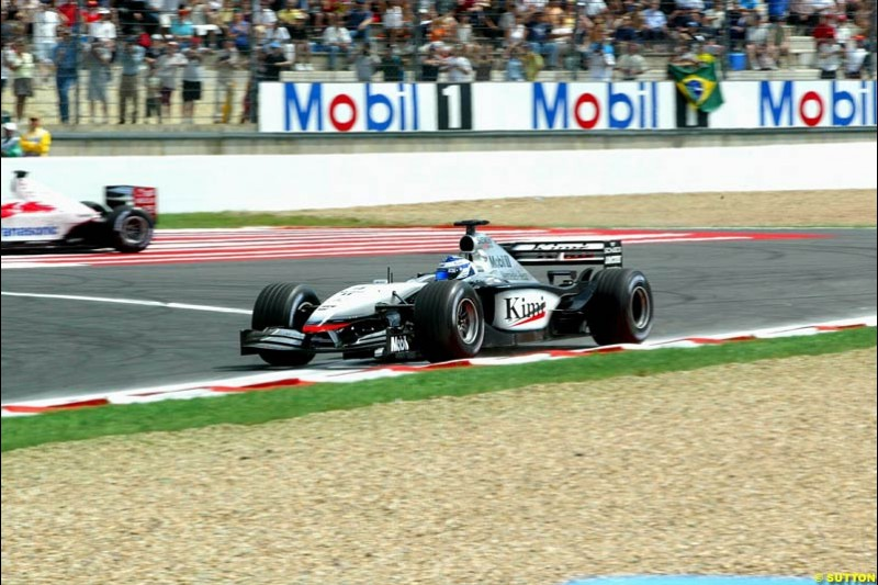 Kimi Raikkonen, McLaren, goes off the track and loses the lead. French Grand Prix, Magny Cours, France, July 21st 2002