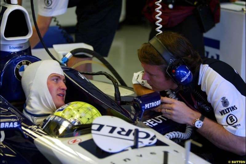 Ralf Williams with a Williams engineer, during Saturday Free Practice. German Grand Prix, Hockenheim, Germany, July 27th 2002.