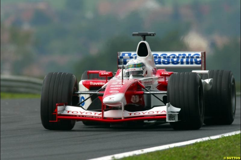 Allan McNish, Toyota, during Friday free practice for the Hungarian Grand Prix, Hungaroring, Hungary, August 16 2002.