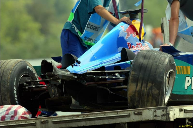 Both Saubers suffered damage in the second session through crashes. Hungarian Grand Prix, Budapest, 16 August 2002.