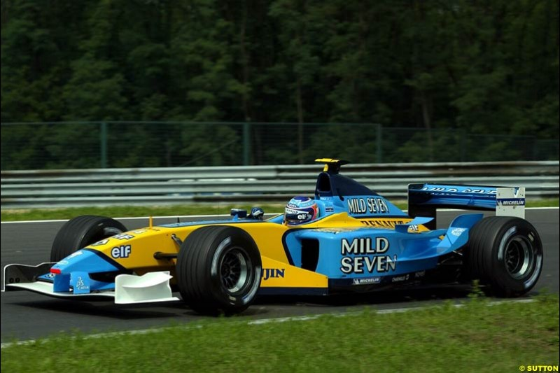Jarno Trulli, Renault, during Friday free practice for the Hungarian Grand Prix, Hungaroring, Hungary, August 16 2002.