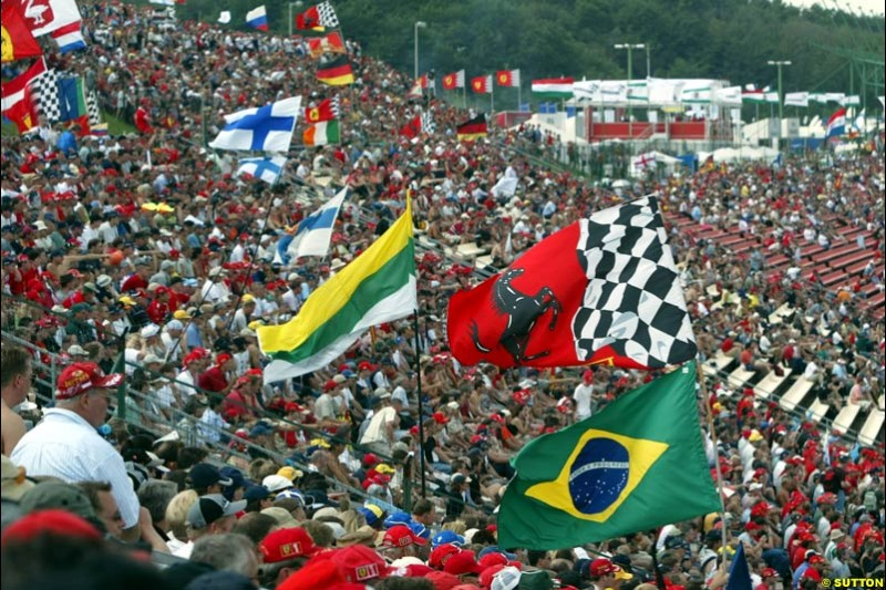 The Fans. Qualifying, Hungarian Grand Prix, Budapest, August 17 2002.