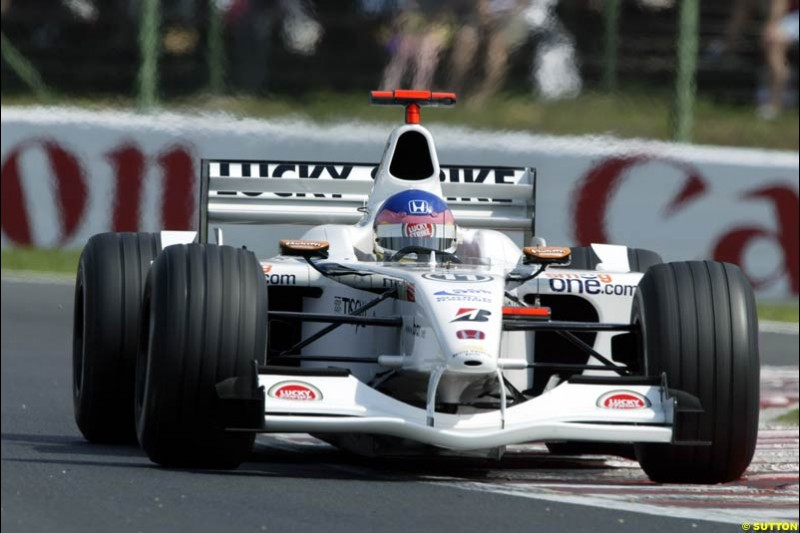 Jacques Villeneuve, British American Racing, during Qualifying, Hungarian Grand Prix, Budapest, August 17 2002.