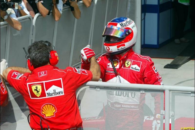 Rubens Barrichello, Ferrari, celebrates his third pole of the season. Hungarian Grand Prix, Budapest, August 17 2002.