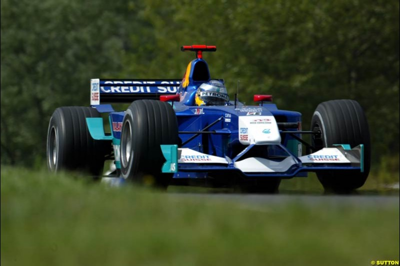Nick Heidfeld, Sauber, during Saturday free practice, Hungarian Grand Prix, Budapest, August 17 2002.