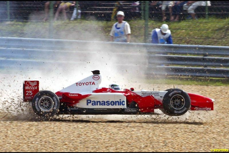Allan McNish, Toyota, during Saturday free practice, Hungarian Grand Prix, Budapest, August 17 2002.