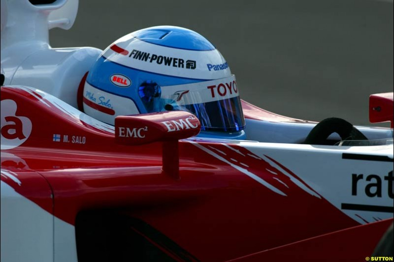 Mika Salo, Toyota, during Saturday free practice, Hungarian Grand Prix, Budapest, August 17 2002.