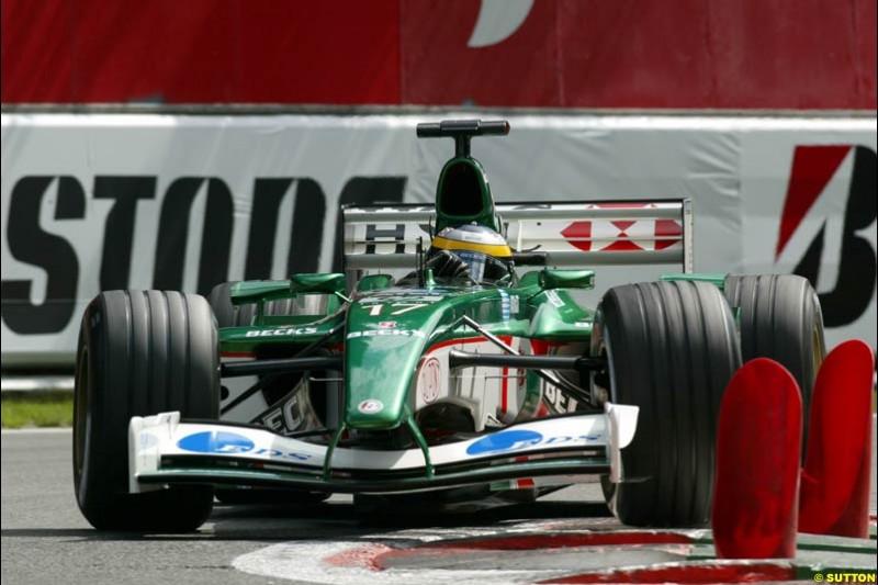Pedro de la Rosa, Jaguar, during Qualifying. Belgian Grand Prix, Spa-Francorchamps, Belgium, August 31st 2002.