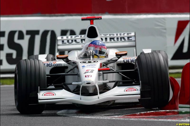 Jacques Villeneuve, British American Racing, during Qualifying. Belgian Grand Prix, Spa-Francorchamps, Belgium, August 31st 2002.