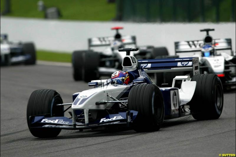 Juan Pablo Montoya, Williams, leads the midfeld. Belgian Grand Prix, Spa-Francorchamps, Belgium, September 1st 2002.