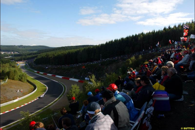 The crowd during Sunday Warmup. Belgian Grand Prix, Spa-Francorchamps, Belgium, September 1st 2002.