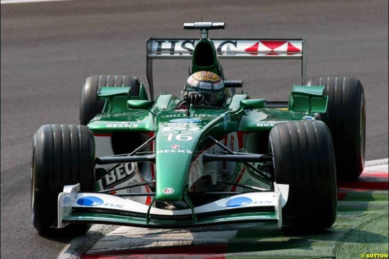 Eddie Irvine, Jaguar, during Qualifying. Italian Grand Prix, Monza, Italy. September 14th 2002.