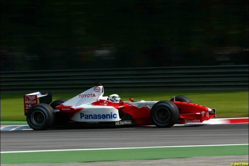 Allan McNish, Toyota, during Qualifying. Italian Grand Prix, Monza, Italy. September 14th 2002.