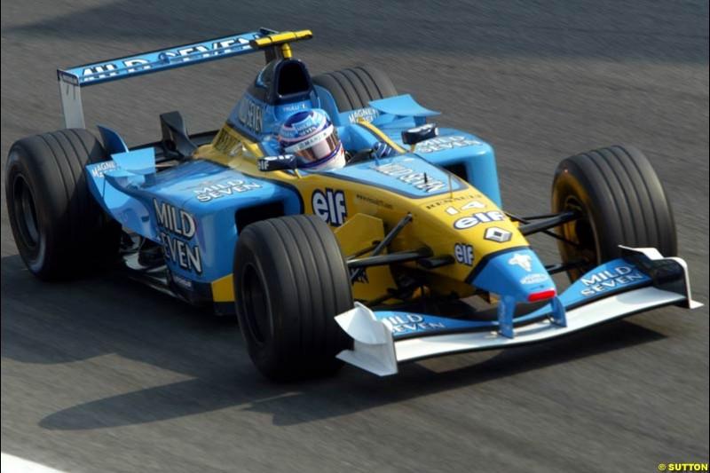 Jarno Trulli, Renault, during Qualifying. Italian Grand Prix, Monza, Italy. September 14th 2002.