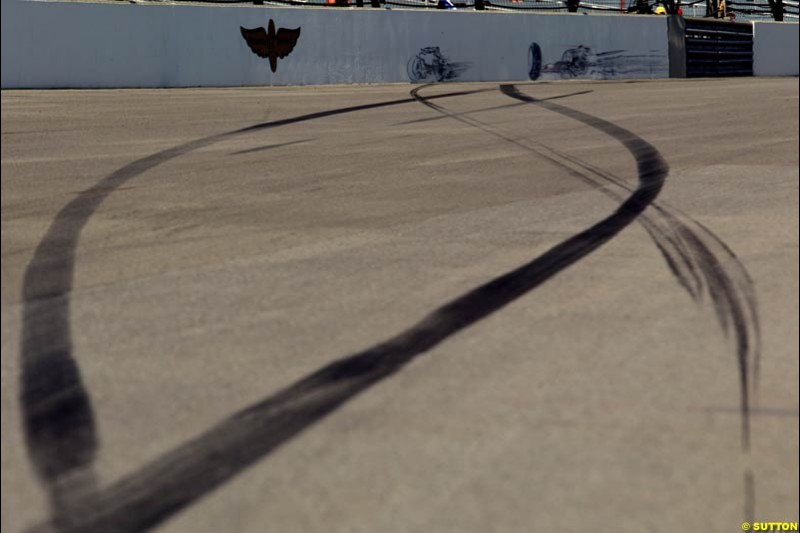 Tyre marks left at turn 13 after Rubens Barrichello's crash. Friday Free Practice, United States GP, Indianapolis, September 27th 2002.