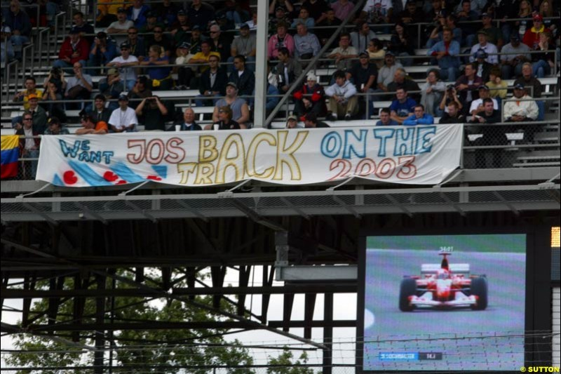 Jos Verstappen supporters. Friday Free Practice, United States GP, Indianapolis, September 27th 2002.