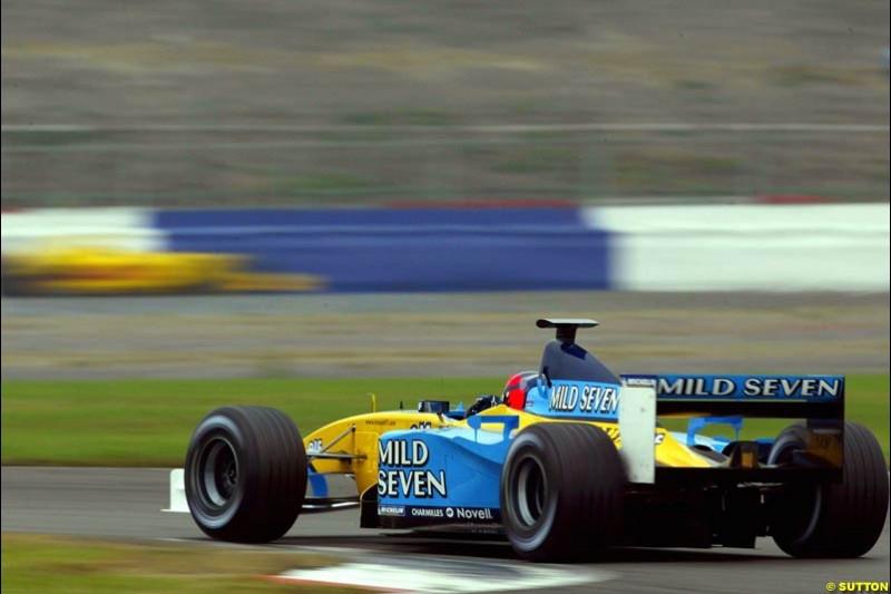 Oliver Gavin, Renault, Silverstone, England. October 2nd 2002