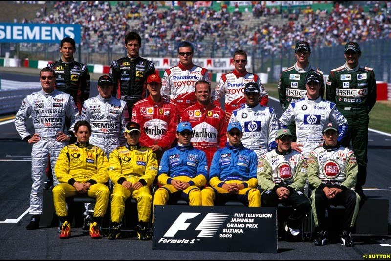 The end of season photograph. Japanese Grand Prix, Round 17.