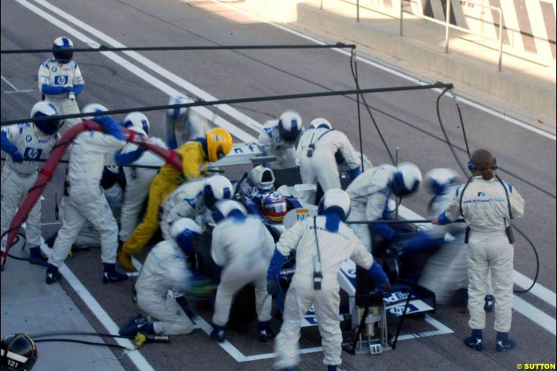 The Williams team practice pitstops during testing at the Ricardo Tormo circuit. Valencia, Spain. 11th February, 2003.