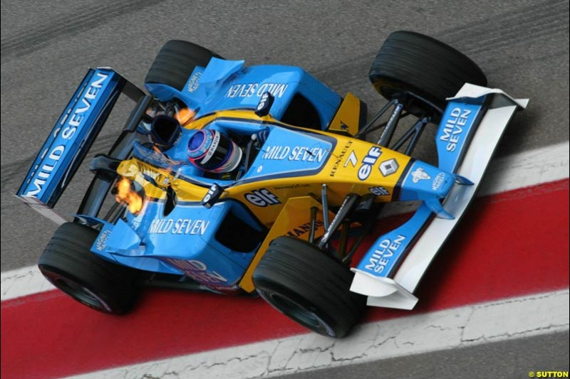 Jarno Trulli, Renault, during testing at the Circuit de Catalunya. Barcelona, Spain. February 3rd, 2003.
