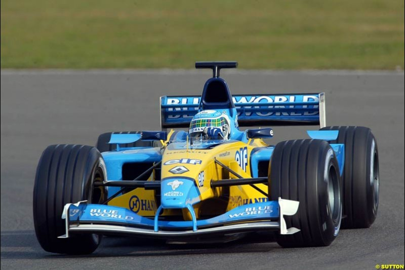 Allan McNish, Renault. Testing at Silverstone, England. 26th February 2003.