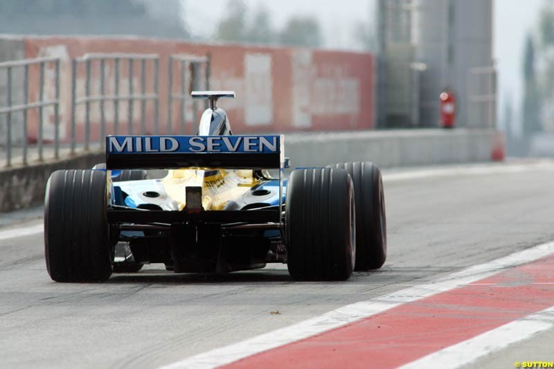 Jarno Trulli, Renault, during testing at the Barcelona circuit in Spain. 17th February, 2003.