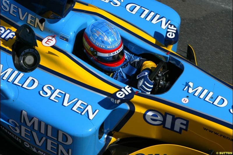 Fernando Alonso, Renault, during qualifying for the Australian GP. Melbourne, March 8th 2003.