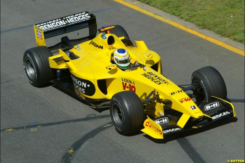 Giancarlo Fisichella, Jordan, during Saturday's qualifying for the Australian GP. Melbourne, March 8th, 2003.