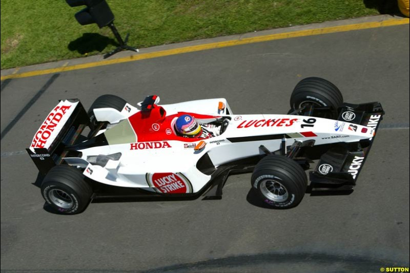 Jacques Villeneuve, BAR, during Saturday's qualifying for the Australian GP. Melbourne, March 8th, 2003.
