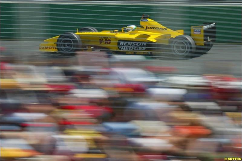 Giancarlo Fisichella, Jordan, during Saturday qualifying for the Australian GP. Melbourne, March 8th 2003.