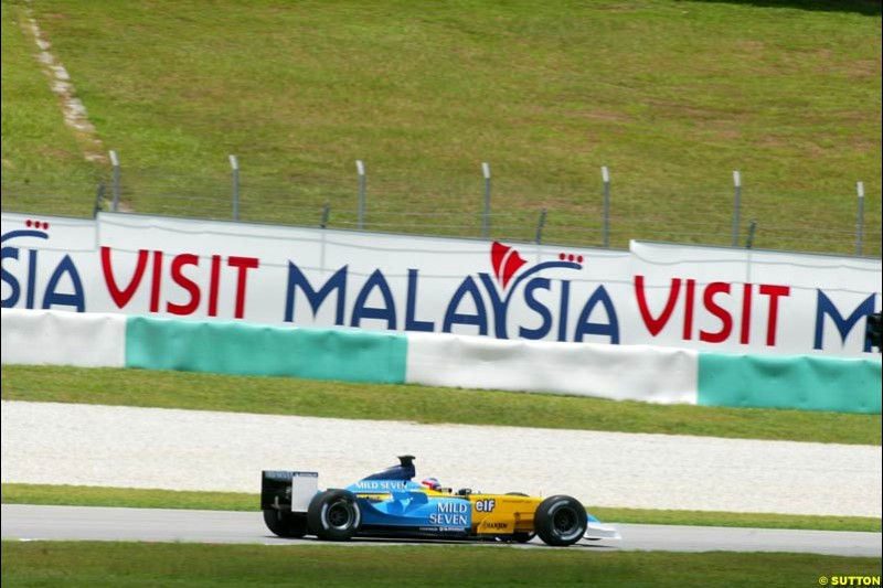 Jarno Trulli, Renault, during Friday qualifying for the Malaysian GP. Sepang, March 21st 2003.