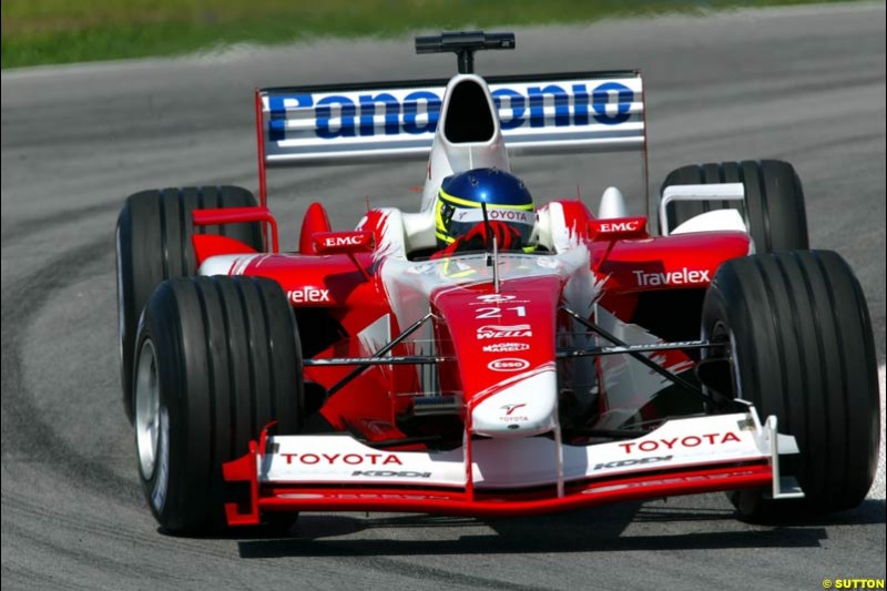 Cristiano da Matta, Toyota. Friday qualifying for the Malaysian GP. Sepang International Circuit, March 21st 2003.