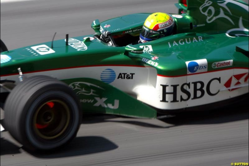 Mark Webber, Jaguar, during Saturday qualifying for the Malaysian GP. Sepang, March 22nd 2003.
