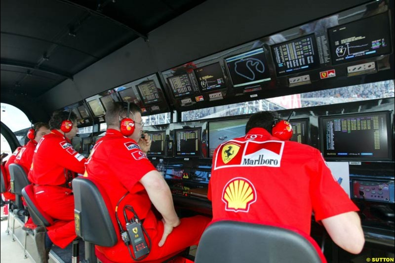 Saturday qualifying for the Brazilian Grand Prix. Interlagos, Sao Paulo, April 5th 2003.