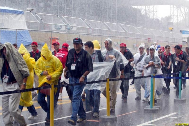 Torrential downpours strike Interlagos. Brazilian Grand Prix. Interlagos, Sao Paulo, April 6th 2003.