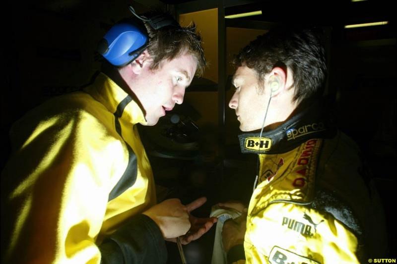 Race engineer Rob Smedley and Giancarlo Fisichella. Friday morning testing, Circuit de Catalunya. Barcelona, Spain. May 2nd 2003.