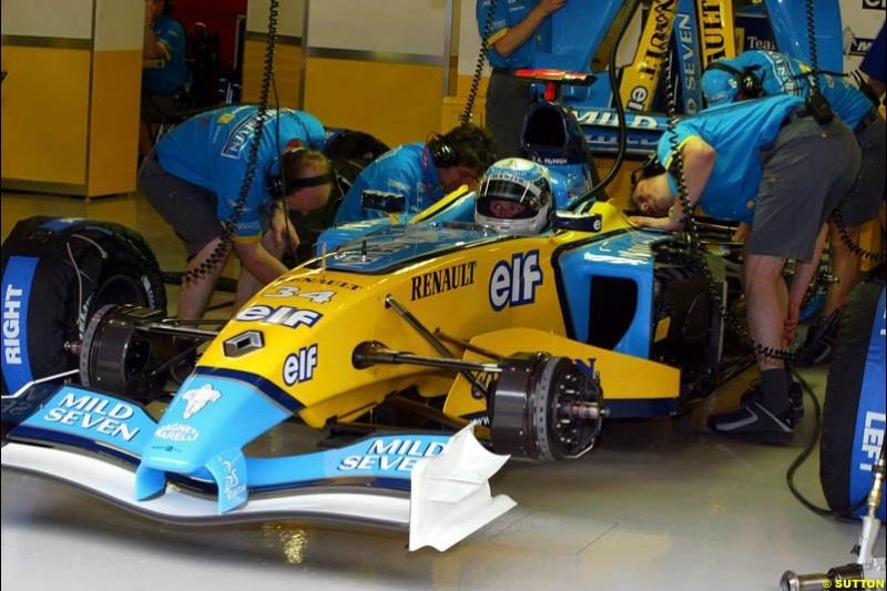 Allan McNish, Renault. Friday morning testing, Circuit de Catalunya. Barcelona, Spain. May 2nd 2003.
