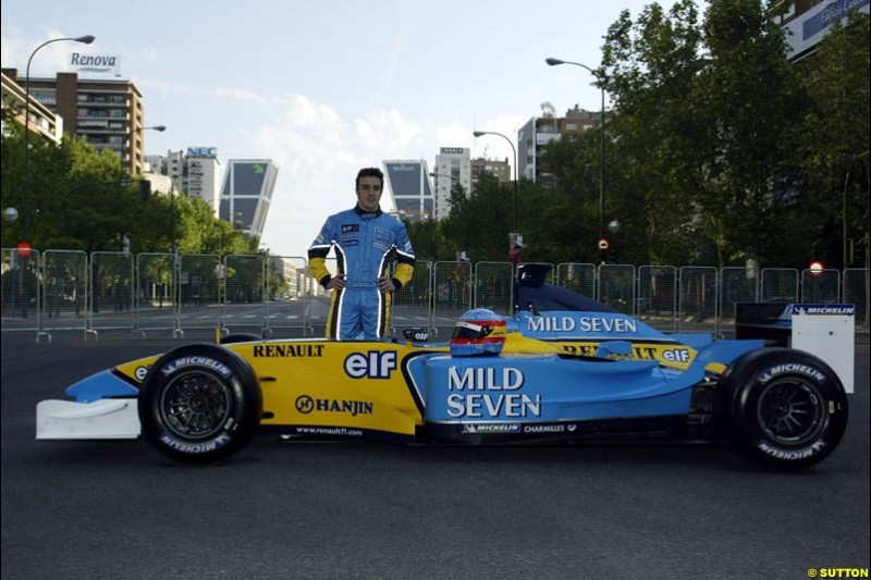 Renault's Fernando Alonso at Madrid's central Paseo de la Castellana during an exhibition celebrating his success so far this season. May 11th 2003.