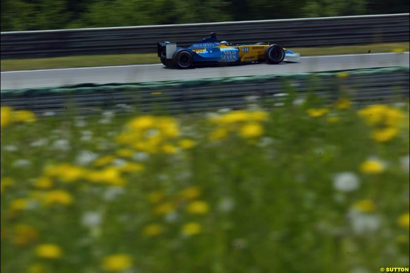 Fernando Alonso, Renault, during qualifying for the Austrian Grand Prix. A1-Ring, Spielberg, Austria. May 17th 2003.
